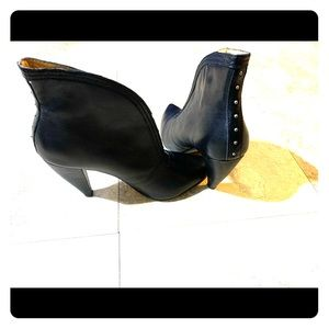 Beautiful leather booties from Seychelles!